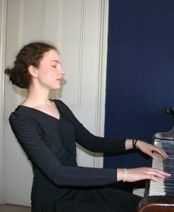 Lili black v-neck top